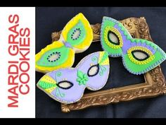 How To Decorate Mardi Gras Mask Cookies | This fun step by step tutorial will show you how to decorate these cookies using royal icing.