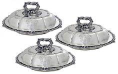 ROBERT GARRARD. Extraordinário conjunto de três legumeiras de prata inglesa, contraste de Londres, p