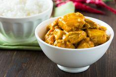 Recette de Poulet au curry léger et épicé. Facile et rapide à réaliser, goûteuse et diététique. Ingrédients, préparation et recettes associées.