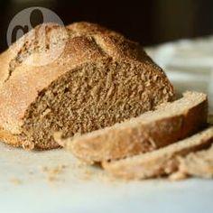 Pão integral fácil e rápido @ allrecipes.com.br - Esse pão integral é saudável e uma delícia! Não leva fermento e é super rápido de fazer.