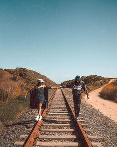 Vamos nos iludir com imagines? Vamoosss Preferences com: Steve Roger… # Fanfic # amreading # books # wattpad Cute Couples Goals, Couple Goals, Cute Couple Pictures, Couple Photos, Poses Photo, Tumblr Love, Couple Photography Poses, Photos Tumblr, Foto Pose