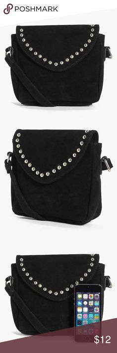 NWT Suede Studded Purse Cute & lightweight purse •••• Small purse, can fit the essentials Boohoo Bags Crossbody Bags