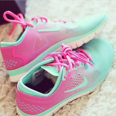 Perfect nike free 5.0 tr fit 4 ombré shoes.