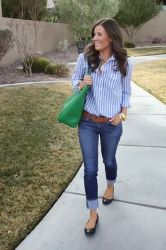 cropped jeans, navy/white button down, brown belt, navy flats, green tote