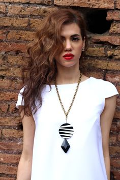 Monochrome and red lips - The Flamboyante