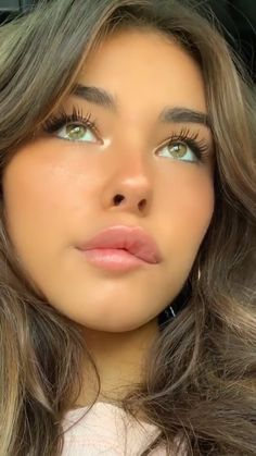 """Find and save images from the """"madison beer"""" collection by des (Iostlove) on We Heart It, your everyday app to get lost in what you love. Madison Bier, Estilo Madison Beer, Madison Beer Hair, Madison Beer Makeup, Cute Makeup, Pretty Makeup, Beauty Makeup, Hair Makeup, Hair Beauty"""