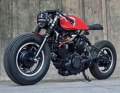 Find out more about a number of my favourite builds - unique scrambler motorcycles like this Virago Cafe Racer, Yamaha Cafe Racer, Cafe Bike, Cafe Racer Build, Retro Bikes, Brat Bike, Cafe Racer Motorcycle, Motos Yamaha, Er6n