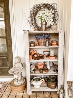 Greenhouse Tables, Diy Greenhouse, Diy Farmhouse Table, Farmhouse Style, Industrial Farmhouse, Modern Industrial, Modern Farmhouse, Diy Plate Rack, Porch Accessories