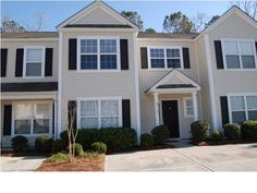 NOT  a short sale  or foreclosure -  can close quickly! Great price on a fabulous 3-br townhome in The Orchards at Wescott Plantation. This spacious home features nice open plan living/dining area with hardwood floors, powder room and coat closet. Nice open kitchen with lots of oak cabinets & counter space including overhanging breakfast bar (which will accommodate several bar stools), a trendy high rise kitchen faucet, upgraded appliances inc...