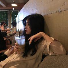 korean girl aesthetic faceless / korean girl _ korean girl aesthetic _ korean girl groups _ korean girl fashion _ korean girl ulzzang _ korean girl short hair _ korean girl aesthetic faceless _ korean girl names Korean Aesthetic, Couple Aesthetic, Aesthetic Girl, Ulzzang Korean Girl, Cute Korean Girl, Asian Girl, Ulzzang Girl Fashion, Teen Fashion, Ullzang Girls