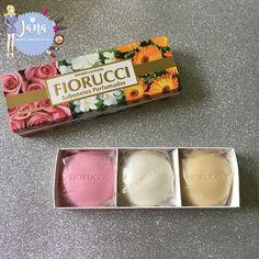 Kit de Sabonetes Perfumados Coffret Flowers com 3 unidades - Gardênia + Rosas + Calendula  da marca Fiorucci Parfums que recebi da #parceria Imports Cosméticos.