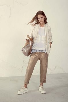 See the complete Brunello Cucinelli Spring 2017 Ready-to-Wear collection.
