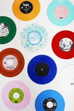 Vinyls via Varpunen Vinyl Music, Vinyl Records, 45 Records, Cassette Vhs, Music Rock, Home Music, Music Stuff, Wall Collage, Collages