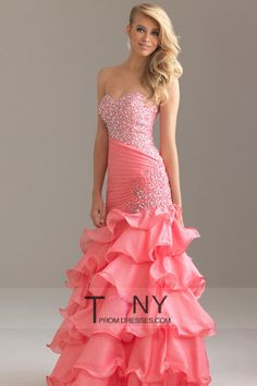 shop prom dresses all fashion new styles with - image #695519 on Favim.com