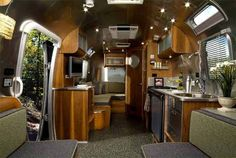 25 Charming Modern Airstream Trailer Interior Ideas For Joyful Outdoor Lifes - Home and Camper Airstream Bambi, Airstream Campers, Airstream Remodel, Airstream Renovation, Airstream Interior, Trailer Interior, Vintage Airstream, Airstream Living, Camper Trailers