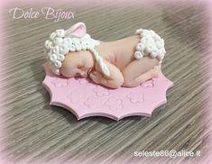 Bomboniera battesimo nascita e primo compleanno bimba e bimbo,nella foto bebè che dorme vestito da pecorella realizzato a mano. Personaliz... Wedding Planner, Dolce, Bebe, Wedding Planer