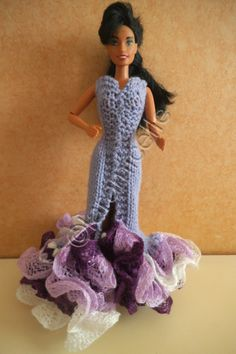 Free tutorial barbie: Spanish dress with wool scarf Barbie Patterns, Sewing Patterns Free, Free Pattern, Crochet Patterns, Spanish Dress, Barbie Dress, Barbie Doll, Wool Scarf, Doll Clothes
