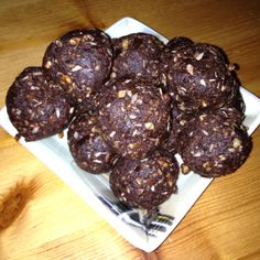 recipe c/o chocolate covered Katie dessert blog.. tonight's snack no-choc choc fudge balls.. 3/4 cup dates, 1/2 cup pecans, one teaspoon vanilla, 2 tablespoons each cocoa and desiccated coconut