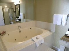 Emma's hotel room in the city? Kimpton Hotels, Corner Bathtub, Illinois, Trip Advisor, Chicago, City, Room, Bedroom, Cities