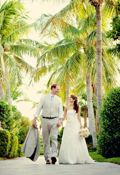 Wedding at Sunset Key Guest Cottages captured by Studio Julie Photography | OPAL Collection