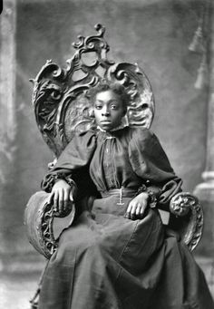 Portrait of Julia Richardson tennis player 1898 won six doubles titles during her career American Photo, American Girl, Black History Facts, African American Women, African Americans, My Black Is Beautiful, Beautiful Women, Before Us, African American History