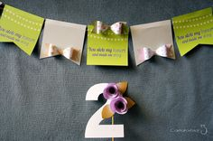 (via Anniversary garland and cake topper… and a spectacular surprise! | Carta, forbici, gatto)
