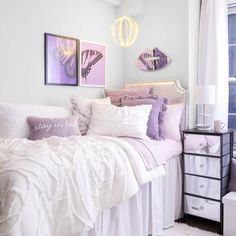 College Bedroom Decor, Room Ideas Bedroom, Teen Room Decor, College Room, College Girls, College Life, Dorm Color Schemes, Dorm Room Colors, Purple Dorm Rooms