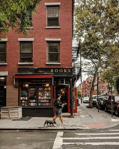 Book on books Great Places, Places To Go, Beautiful Places, New York Photographers, Belle Villa, New York Art, City Aesthetic, Greenwich Village, West Village