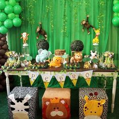 Baby shower ides for girls themes safari Ideas Festa Safari Baby, Safari Party, Safari Theme, Jungle Theme Birthday, Jungle Theme Parties, Baby Shower Cake Pops, Baby Boy Shower, Baby Shower Decorations For Boys, Baby Shower Themes