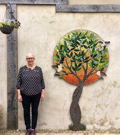 Mosaic art inspired by nature and myth mosaicos mosaicos, az Mosaic Wall Art, Mirror Mosaic, Mosaic Diy, Mosaic Garden, Mosaic Crafts, Mosaic Projects, Mosaic Walkway, Mosaic Stepping Stones, Stone Mosaic