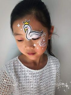 Face Painting Designs, Body Painting, Adventures In Babysitting, Models Makeup, Face Paintings, Face Art, Face And Body, Diy For Kids, Robin