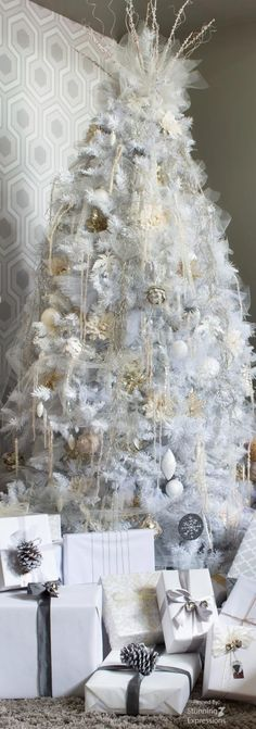 CHRISTMAS TREE~WHITE CHRISTMAS TREE