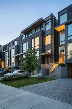 Terrace House Exterior, Townhouse Exterior, Modern Townhouse, Townhouse Designs, Duplex House Design, House Front Design, Small House Design, Facade House, Modern House Design