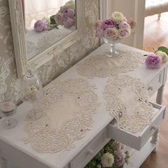 Cutwork embroidery – drawings and ideas for house linen Cutwork Embroidery, White Embroidery, Embroidery Designs, Filet Crochet, Crochet Motif, Vintage Table Linens, Cross Stitch Cushion, Advanced Embroidery, Romantic Shabby Chic