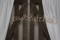 'Just Hitched' and 'Mr and Mrs' rope signs. Wedding Signage, Wedding Table Settings, Blackboards, Naturally Beautiful, How To Distress Wood, Wedding Events, Romance, Rustic, Signs