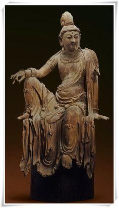 造像空间影像 ---宋代木雕自在觀音像。。。。。。(来源:北京尚仕雅集文化艺术公司) - 日志 - lliudw - 雅昌博客频道 自在觀音。中原。宋代(960-1279)、高112釐米、金絲楠木雕。