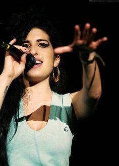 . Amy Winehouse - #music #musician #rnb #singer #popsinger #retropop #rip #amywinehouse http://www.pinterest.com/TheHitman14/amy-winehouse-%2B/
