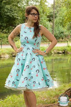 Toller Bio-Jersey mit sommerlich verspielten Motiv / summerly fabric with cute illustrated pattern by liebelle via DaWanda.com