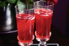 Sparkling strawberry cocktail main image