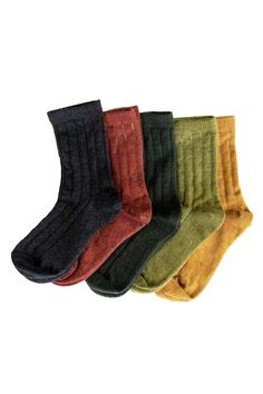 Our merino wool Nature socks are soft strong and durable. Unlike cotton merino wool is an excellent insulator keeping feet warm and cozy while still remaining breathable. Wool can also absorb moisture which helps prevent feet from feeling clammy. Stay Warm, Warm And Cozy, Toddler Fashion, Kids Fashion, Merino Wool Socks, Cotton Socks, Kids Socks, Free Clothes