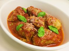 Italiaans gekruid gehakt, verpakt in zachte savooiekoolbladeren in een tongstrelende saus. Heerlijk bij pasta of versgebakken ciabatta!