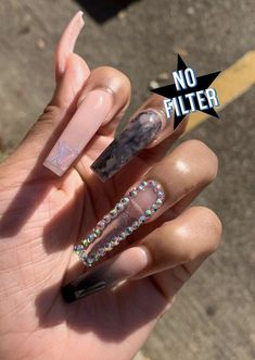 In seek out some nail designs and ideas for your nails? Here is our list of must-try coffin acrylic nails for trendy women. Aycrlic Nails, Swag Nails, Hair And Nails, Coffin Nails, Glitter Nails, Bright Summer Acrylic Nails, Best Acrylic Nails, Gorgeous Nails, Pretty Nails