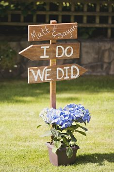 Simple rustic directional sign- so necessary for a backyard wedding!  // photo by Saleina Marie Photography