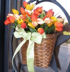 Dollar Store Spring Basket  using 3 bunches of flowers..so easy