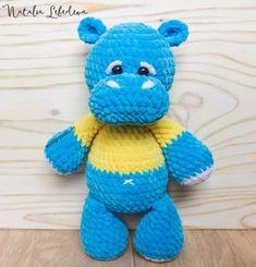 Бесплатный мастер-класс по вязанию плюшевого бегемота крючком от Натальи Лебедевой. Рост вязаного бегемотика примерно 30 см. Автор использовал пряжу h… Crochet Hippo, Crochet Animals, Crochet Toys, Crochet Baby, Free Crochet, Amigurumi Doll Pattern, Funny Toys, Fabric Toys, Felt Toys