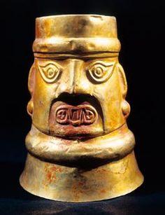 Pre-Inca civilization, Peru, 2nd century b. C. Chimu culture. Golden portrait vessel. Lima, Museo De Oro Del Perù Y Armas Del Mundo