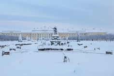 The Upper Garden, View of the Grand Palace and the Neptune Fountain © Peterhof Museum / Slava Korolev