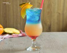 Tropical Bay - przepis na drink warstwowy | Koktajle-Drinki.pl. Bazą drinka Tropical Bay jest malibu rum w połączeniu z sokiem pomarańczowym i ananasowym. Za game kolorów ponadto odpowiadają grendayna oraz likier Blue Curacao. Malibu Drinks, Cocktail Drinks, Alcoholic Drinks, Fall Pallet Signs, Blue Curacao, Tipsy Bartender, Alcohol Drink Recipes, Cocktail Making, Tropical