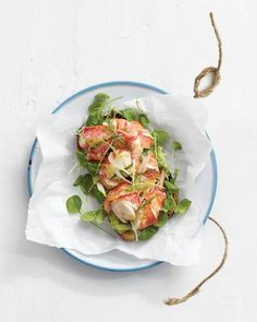 "Open-Faced Lobster ""Rolls"" with Avocado Spread This lighter take on the lobster roll exchanges the mayo for a lemon-avocado puree and the usual buttered roll for a slice of grilled bread. Seafood Recipes, Cooking Recipes, Healthy Recipes, Shellfish Recipes, Avocado Recipes, Healthy Salads, Delicious Recipes, Lobster Dinner, Live Lobster"