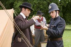 Still of Yannick Bisson and Jonny Harris in Murdoch Mysteries (2008)